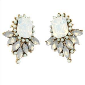 Elegant white crystal golden earrings